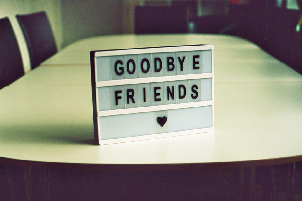 jak odejść z pracy pożegnanie